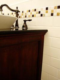 Lb 002smallbathroom