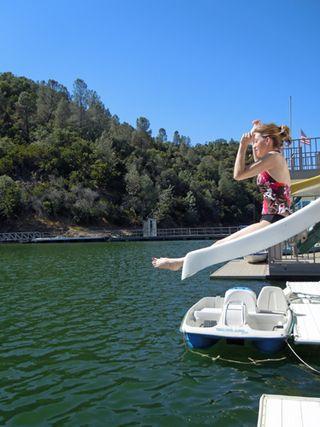 Houseboatslidebree