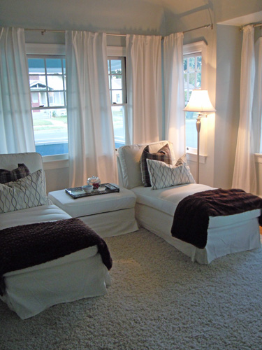 Cottagelivingroomchaise