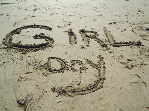 Girlsdaywordsonbeach