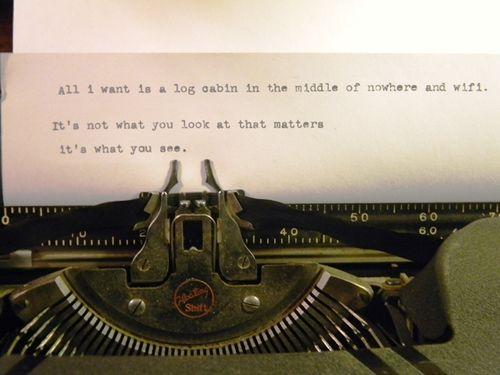 Blog-cabin-vintage-typewriter