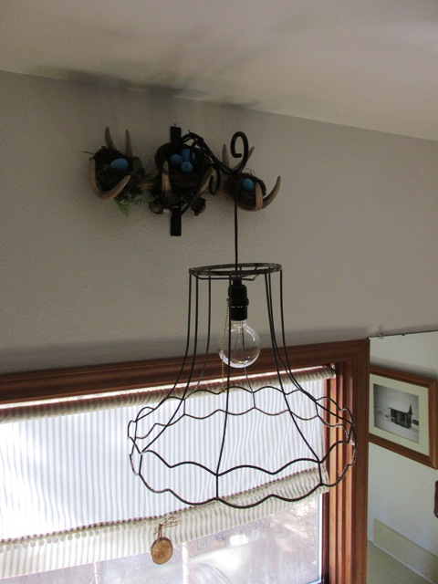 Blog-cabin-bathroom-hanginglight and antler