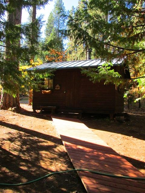 Blog-cabin-bunkie-pathway