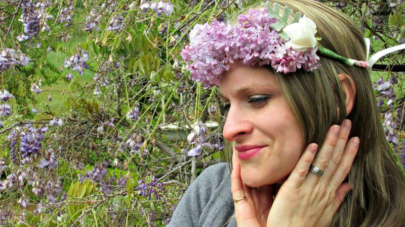 Flower potluck heidi crown side