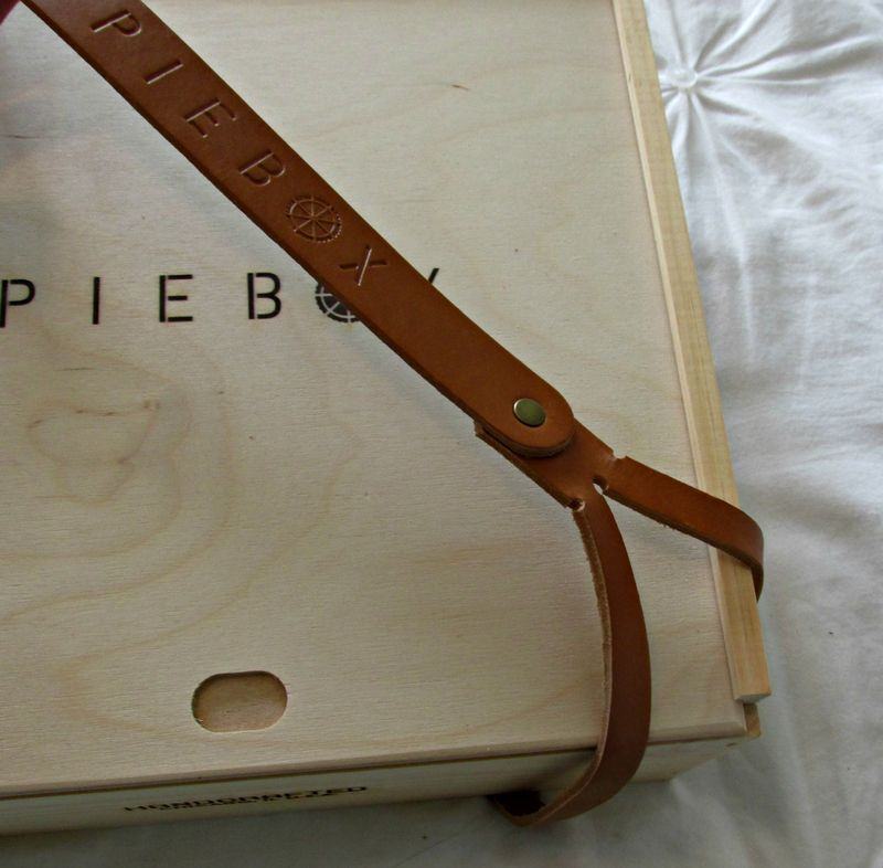 Pie box leather strap