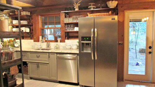 Cabin kitchen 171