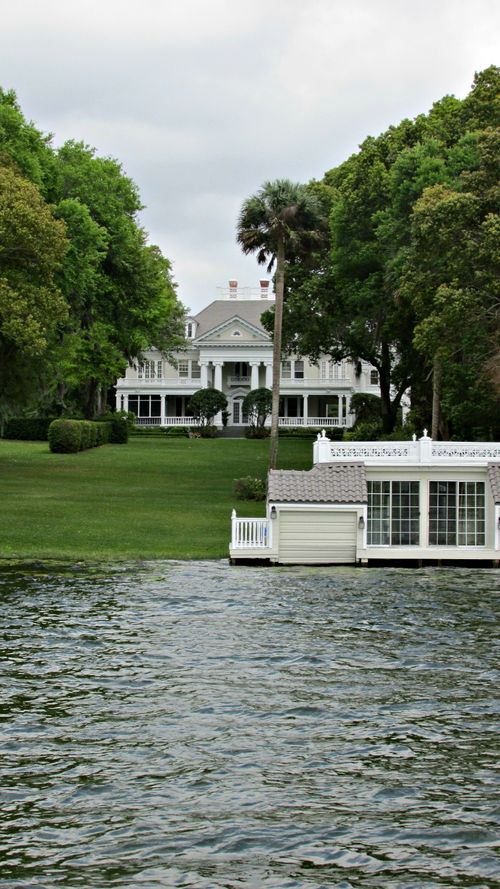 Winter park boat ride white house