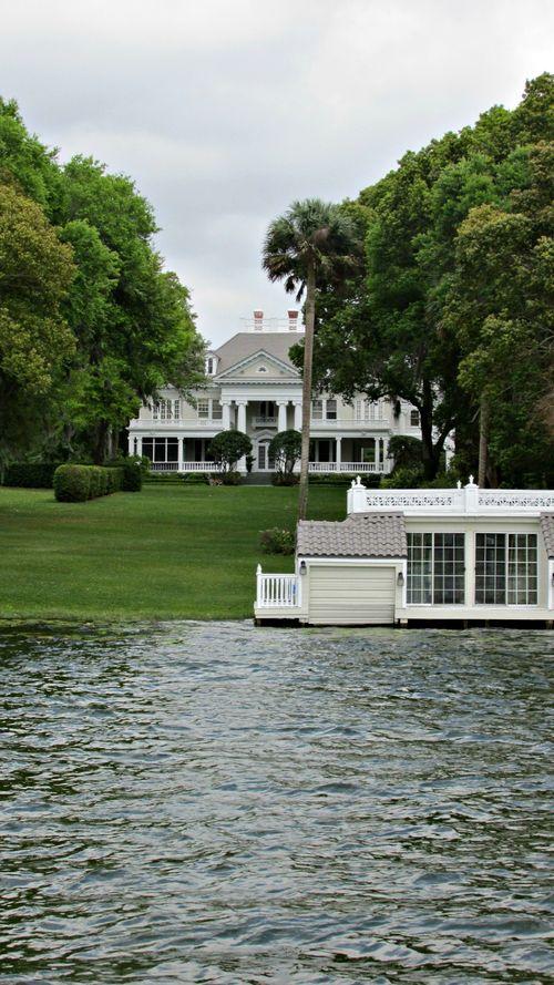 Winter park boat ride white house