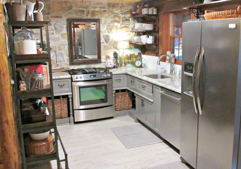 Cabin kitchen 170