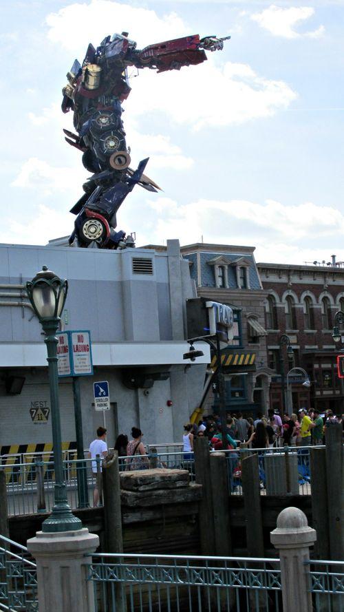 Orlando universal transformer