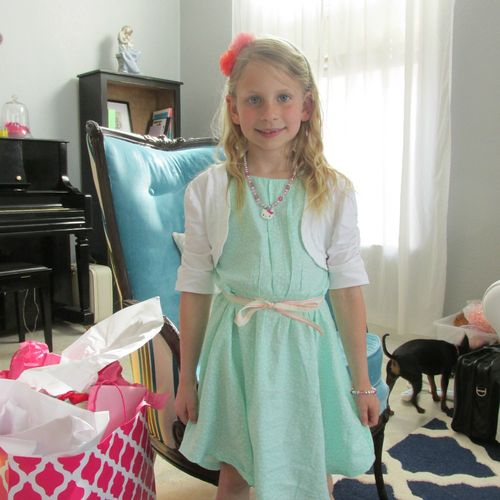 Carlee 8 birthday missy photo bomb