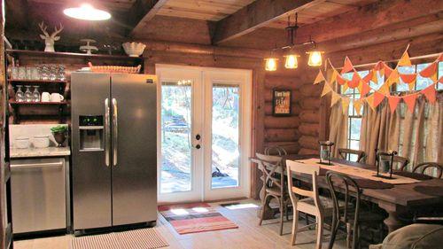 Cabin dinning area