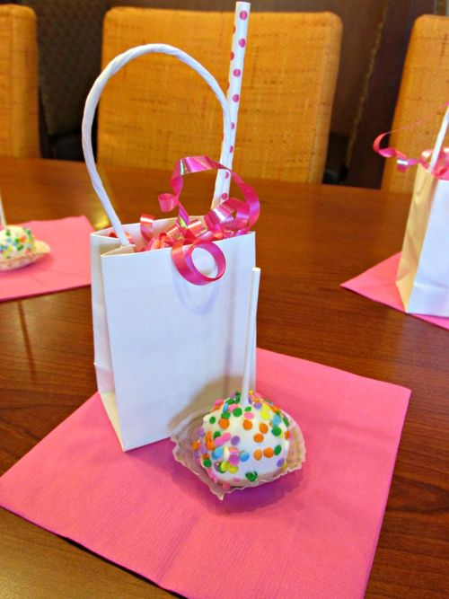 Pop up baby shower cake pops