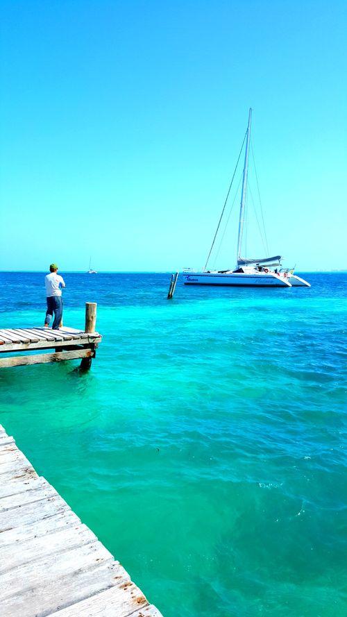 Isla mujeres dock boat