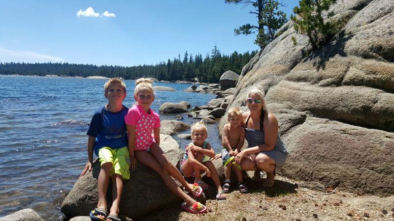 Cabin heidi with kids lake 20150803_132832