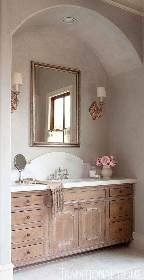 Poppyhill upstairs bath