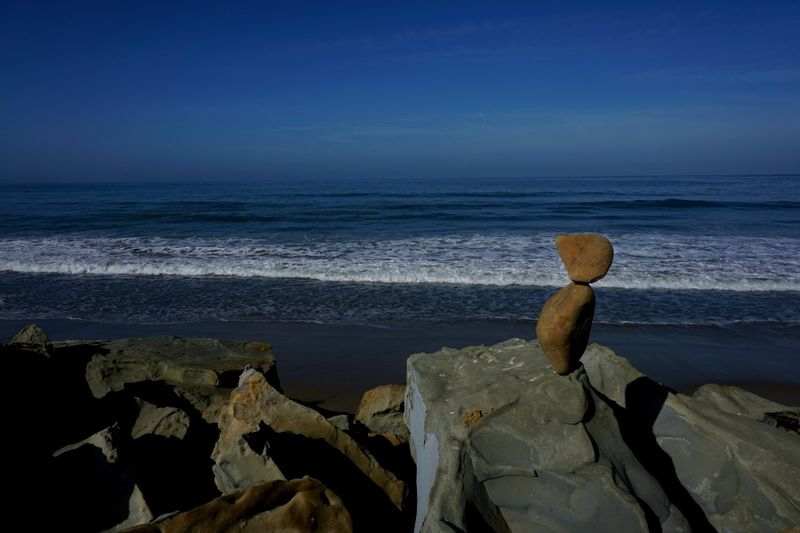 AVW rock ocean 2