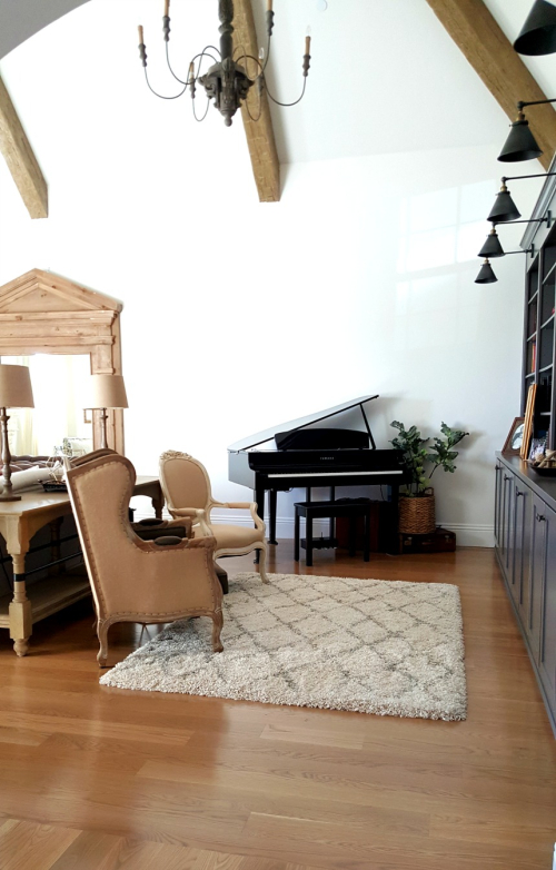 Poppy hill library and piano