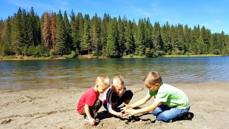 Cabin lake kids Oct 2016