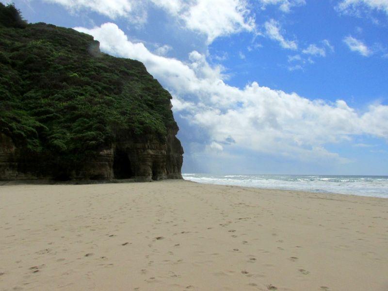 Pomponio state beach cave1