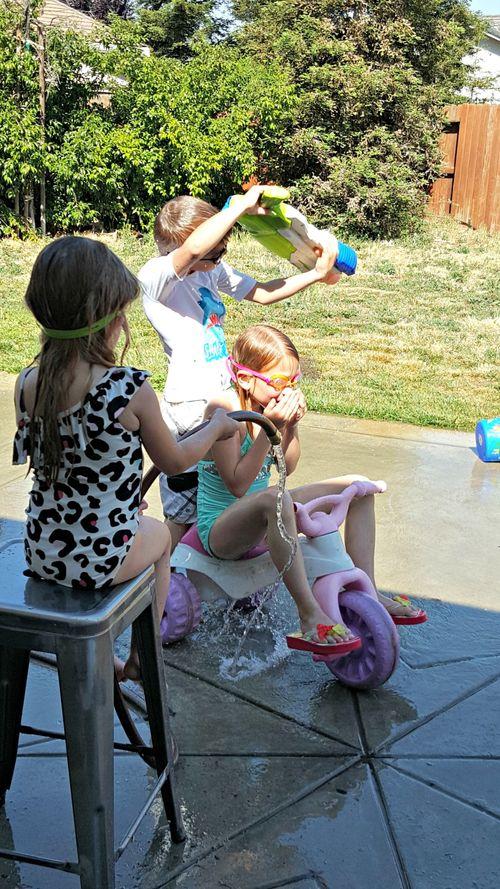 Babysitting water 20150427_154520