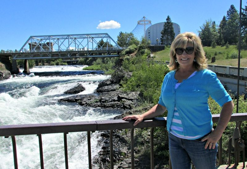 Spokane riverpark falls me
