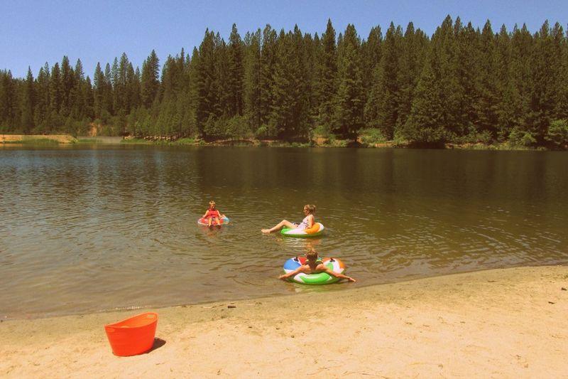 Cabin- white pine lake- tubes