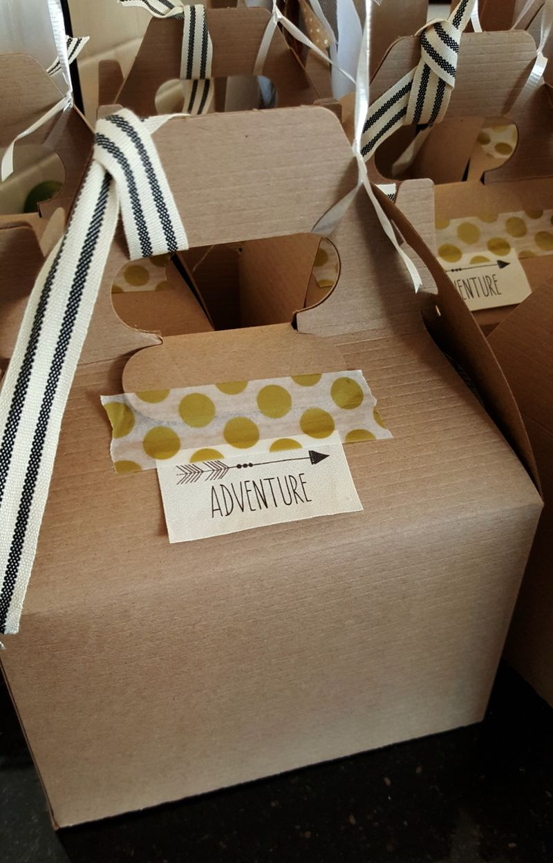 Adventure baby shower- gable box