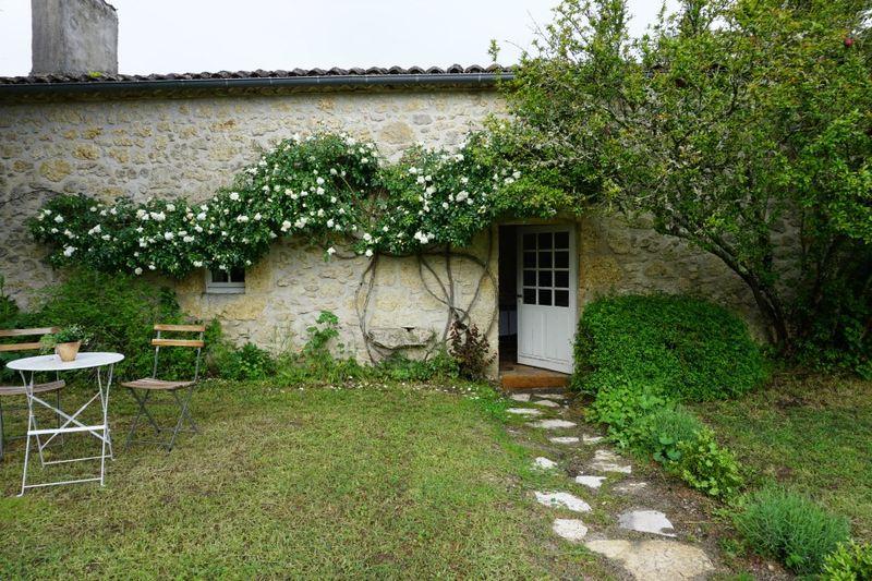 Academy france cottage 710