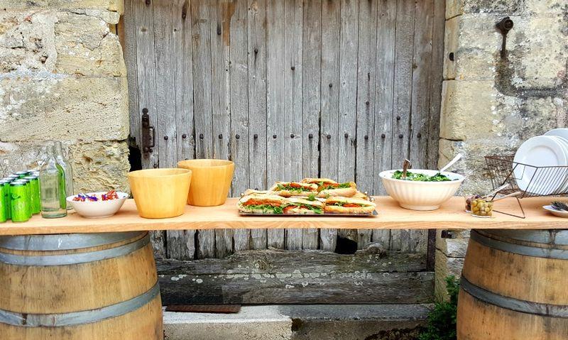 Academy france sandwich table