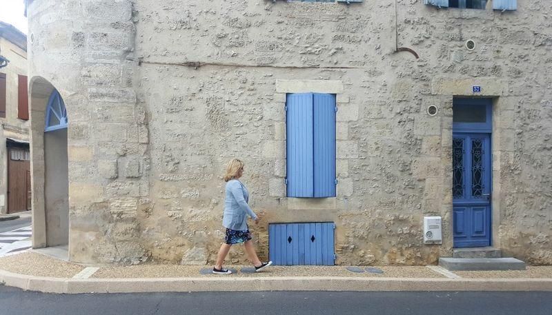 Academy france me blue doors