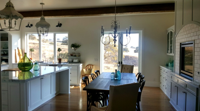 Poppy hill kitchen and dinning room