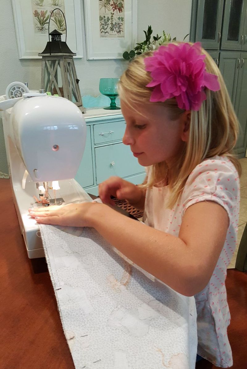 Carlee sewing machine