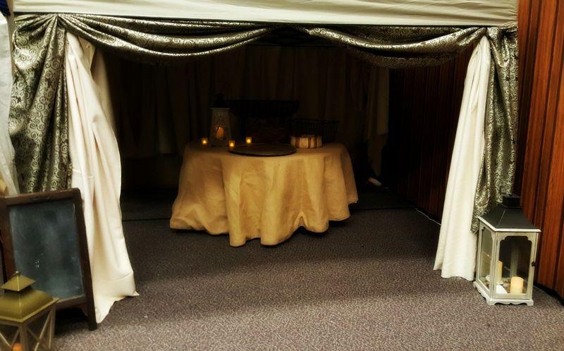 A night in Bethlehem- burlap round table