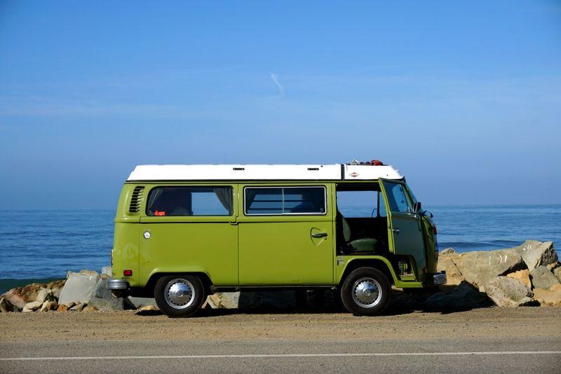 AVW green bus ocean 3