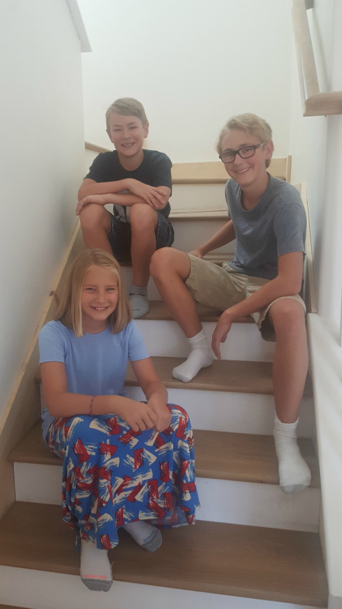 Poppy hill conner payton and anna on stairs