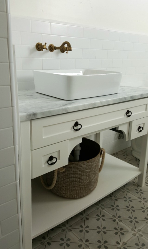 Poppy hill guest bathroom knobs