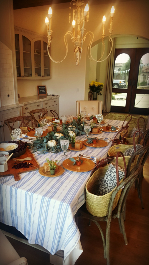 Friendsgiving table 2