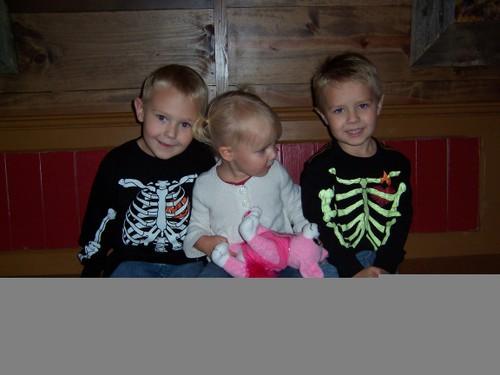 Conner, Anna, Payton Oct 2007