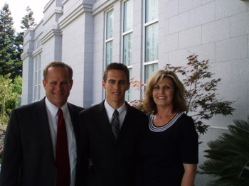 Denverdad_and_mom_at_temple_1